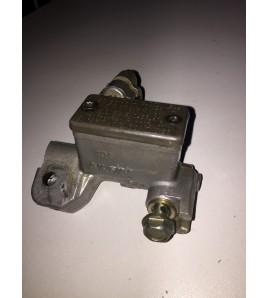 maitre cylindre de frein avant 65/125/250 2000